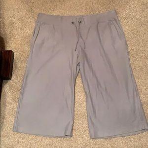 Merona women's wide leg Capri pants size XL